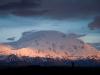 Erste Sonnenstrahlen am Mount McKinley