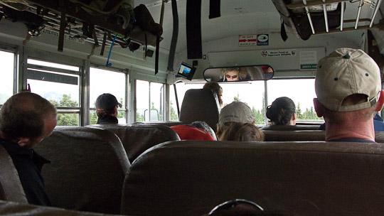 Amerikanische Schulbuse sind wenig komfortabel, aber dafür entschädigt einen die Umgebung des National Parks ...