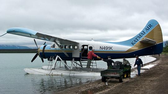 De Havilland Canada DHC-3 Otter (Registrierung N491K) am Strand der Brooks Lodge